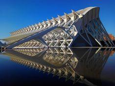 Valencia, Architecture, Building