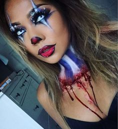 Don't pass-up our collection of scary Halloween outfits to help inspire you. It's possible to look sensational with no need of having to spend a ton of money on a scary Halloween costumes. See this photo by Halloween Inspo, Halloween Makeup Looks, Halloween Photos, Halloween Makeup Tutorials, Halloween Party, Halloween Mermaid, Halloween Halloween, Vintage Halloween, Maquillage Halloween Clown