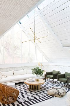 Have you given a lot of thought to every inch of your décor, but your ceiling is painted a default matte white? We make a case for statement ceilings.