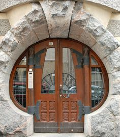 Porte d'entrée d'immeuble du quartier Katajanokka (Helsinki, Finland)