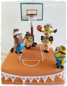 This is the cake I made for the birthday of my twins, Alessandro and Marco. They play in a basketball team, called ASD Master, and they love the Minions, and so I thought to make this cake. The minions players are my sons and their best. Fondant Cakes, Cupcake Cakes, Despicable Me Cake, Minion Cakes, Basketball Birthday, Basketball Cakes, Basketball Party, Sport Cakes, Character Cakes