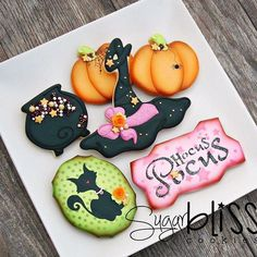 HOCUS POCUS!! This is the set for our October 2016 cookie class. We can't wait to see you all there! The cauldron on our set was inspired by @teri_pringle_wood ❤️#cookieclass #cookieart #decoratedcookies #sugarblisscookies #sugarcookies #halloween #witches #hocuspocus