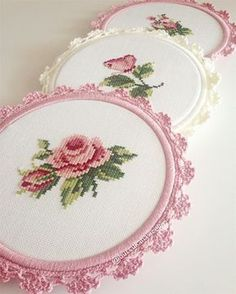 3457 Likes 144 Comments Burcunun Kanaviçeleri ( on I Embroidery Hoop Crafts, Hand Embroidery Tutorial, Embroidery Flowers Pattern, Creative Embroidery, Hand Embroidery Designs, Ribbon Embroidery, Cross Stitch Embroidery, Tiny Cross Stitch, Cross Stitch Finishing