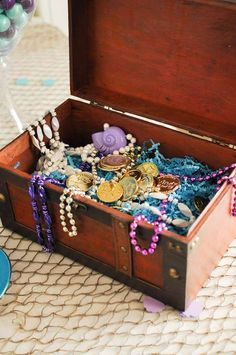 A chest full of treasure! The Little Mermaid Birthday Party Ideas Little Mermaid Birthday, Little Mermaid Parties, The Little Mermaid, 6th Birthday Parties, Birthday Ideas, Mermaid Birthday Party Ideas, Mermaid Party Games, Mermaid Party Invitations, Birthday Table