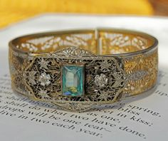 Art deco bracelet. Adorable.