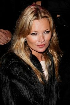 Kate Moss long, blonde hairstyle