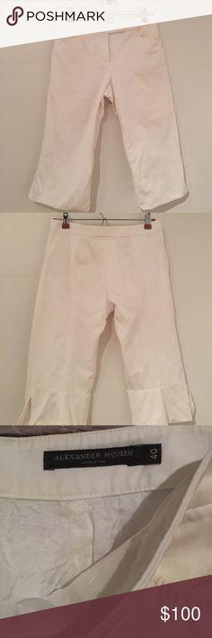 NEW ALEXANDER MCQUEEN BERMUDA SHORTS SIZE 4 Size 40 Italian white Bermuda shorts new Alexander McQueen Shorts Bermudas