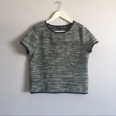 TOPSHOP shirt Slightly cropped, adorable shirt from TOPSHOP.                   Ref#A1603 Topshop Tops Crop Tops