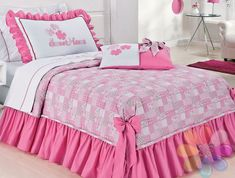 CAMA | Aquarela Enxovais Double Bed Sheets, Fitted Bed Sheets, Bed Sheet Sets, Room Decor Bedroom, Girls Bedroom, Bed Cover Design, Bed Sheets Online, How To Dress A Bed, Doll Beds