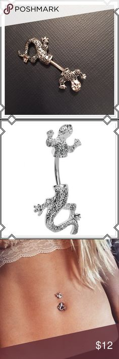 New Lizard cubic zirconia eyed belly ring Cool lizard with clear cubic zirconia eyes belly ring .New in package 14 gauge surgical steel Jewelry