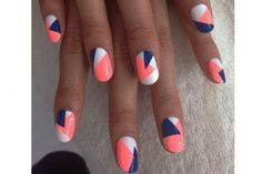 Geometric nail art designs look beautiful and chic on short and long nails. Geometric patterns in any fashion field are the style that fashionistas dream of. This pattern has been popular in nail art for a long time, because it is easy to create in n Gorgeous Nails, Love Nails, How To Do Nails, Amazing Nails, Fake Nails For Kids, Nails Today, Diy Nail Designs, Coral Nail Designs, Coral Nail Art