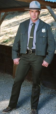 https://www.flickr.com/photos/39812479@N07/shares/Bz8713 | uniformwrangler1's photos