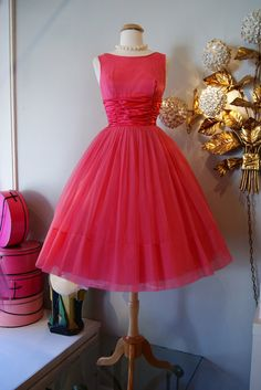 60s Dress // Vintage 1960s Pretty in Pink Party Dress    Breathtaking 1960s pink party dress with a fit and flare silhouette, cummerbund waistline,