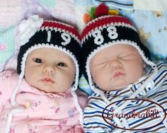 Jumeler chapeaux de casque de Hockey pour les filles ou les garçons avec le numéro du joueur et des plumes dans la LNH Chicago Blackhawks Preemie/nouveau-né/3 à 6 mois