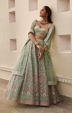 Indian Bridal Outfits, Indian Bridal Fashion, Dress Indian Style, Indian Dresses, Party Wear Lehenga, Bridal Lehenga, Lehnga Dress, Lehenga Choli, Sarees