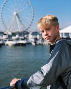 "94.4 ezer kedvelés, 4,015 hozzászólás – Carson Lueders (@carsonlueders) Instagram-hozzászólása: ""Great weekend in Washington, DC Loved meeting everyone at the concert!"""