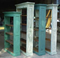 Beautiful color for reading nook Repurposed Furniture, Painted Furniture, Furniture Makeover, Diy Furniture, Diy Instagram, Old Shutters, Reclaimed Wood Projects, Old Doors, Cool Chairs