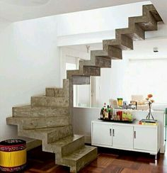 Cantilever Stairs, Concrete Staircase, Staircase Handrail, Staircase Design, Interior Stairs, Room Interior, Interior Design, Kitchen Under Stairs, Home Entrance Decor