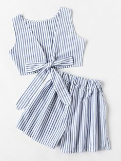 To find out about the Convertible Vertical Striped Bow Tie Crop Top With Shorts at SHEIN, part of our latest Two-piece Outfits ready to shop online today! Girls Fashion Clothes, Teen Fashion Outfits, Outfits For Teens, Tie Crop Top, Striped Crop Top, Crop Tops, Cute Summer Outfits, Cute Casual Outfits, Diy Vetement