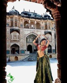 """Aishwarya in """"Jeans"""" {1997}"""