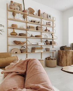 my scandinavian home: The Golden, Vintage-Inspired Home of Sarah Shabacon – Vintage Home Decor Retro Home Decor, Home Decor Trends, Diy Home Decor, Decor Ideas, Decor Crafts, Svalnäs Ikea, Ikea Hack, Home Decor Shelves, Ikea Shelves