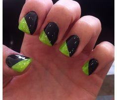 Black and green nails  www.skinnywrapwithjamie.com