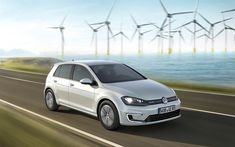Download wallpapers Volkswagen e-Golf, 2018, electric car, new white e-Golf, hatchback, electric Golf, wind power, alternative energy sources