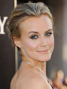 Funny Face Beauty: Beauty Spotlight: Taylor Schilling