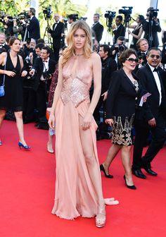 La supermodelo Doutzen Kroes en el Festival de Cannes con un vestido color nude. 2013