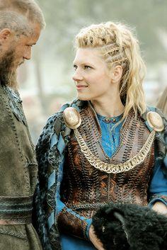 "Ragnar & Lagertha  | Vikings 3.01 ""Mercenary"" © Vikings Season 3 premieres Thursday, Feb 19th 2015 on the History Channel."