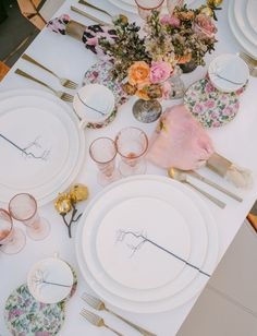 Romantic-meets-gothic beach wedding tablescape