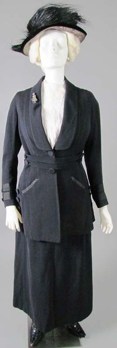 Wool Suit, about 1918. Wool, silk braid trim. Label: Bowman & Co., Harrisburg (Pennsylvania).  Via DAR Museum.