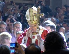 Pope Benedict supports Knights' religious freedom efforts :: Catholic News Agency (CNA)