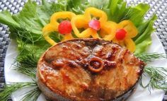 Soslu Orkinos Balığı Tarifi Nasıl Pişirilir? Tavada, Izgarada Soslu Orkinos Balığı. Orkinos balığını marine ederek tavada veya ızgarada çok lezzetli balık hazırlayabilirsiniz. Sosun verdiği tat gerçekten balığı çok lezzetli yapmaktadır. Yapılışı ve hazırlanışı kolaydır, orkinos balığı steak şeklinde olanlar (dilimli) sosa bulanarak 30 dakika marine edilir. Hazır olunca tavada veya ızgarada pişirilir. Soslu orkinos balığı […]