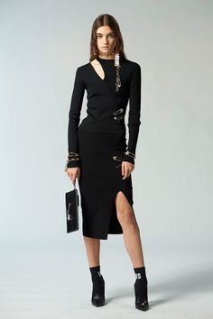 Versus Versace Pre-Fall 2018 Fashion Show Collection
