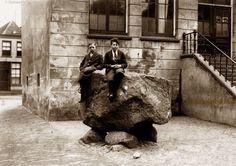 De Marktsteen op de Grote Markt in Oldenzaal omstreeks 1935