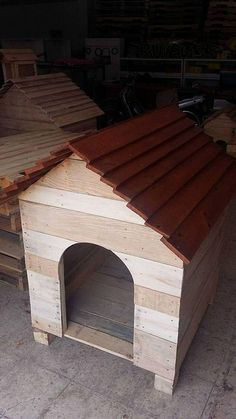 A big sized dog, or if you own several species of dogs then you must need a large, spacious dog house to accommodate all the dogs. For such situations an enormous, pallet wood dog house hut is the best solution.