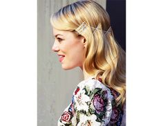 34 New Ways to Wear Your Hair this Holiday Season via @ByrdieBeauty