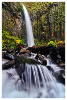 Dry Creek Falls   75 Feet Dry Creek Falls is accessed from the Pacific Crest Trail at Cascade Locks.   Columbia River Gorge