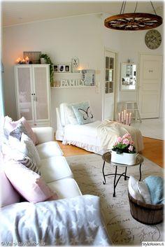 olohuone,kodikas,olohuoneen sisustus,maalaisromanttinen sisustus,yksityiskohtia,pastellivärit