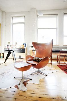 Living Room ǁ Fritz Hansen products: Egg™ chair & footstool by Arne Jacobsen