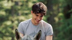 Dylan (Rhys Matthew Bond).