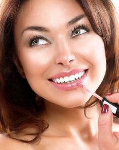 Thursday Freebies - Score a free Mary Kay lipstick sample today!