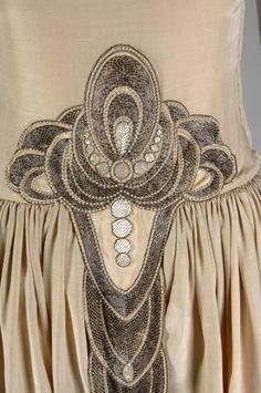 Robe de Style, 1927. Silk moiré, glass beads, pearls, metallic thread. Jeanne Lanvin, France. Detail