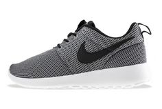 NIKE ROSHE RUN (2014 PREVIEW)