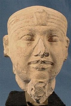 Nose chopped off to hide or obscure the statue's African characteristics.  Unknown Royal from Old Kingdom; BrE.7117(1).jpg