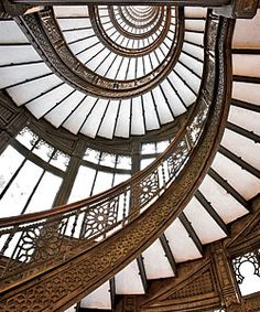 The Rookery, Chicago (1888, John Wellborn Root; later interior renovation by Frank Lloyd Wright) - Amid the Loop, its wonderful space is like a deep breath of fresh air.