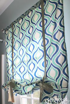 Embrace My Space: DIY Roman Shade -- exactly what I've been looking for!