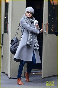 emma stone out solo in new york city 01 Emma Stone is seeing gray after grabbing a cup of coffee in the West Village neighborhood on Sunday afternoon (December 21) in New York City.    The 26-year-old…