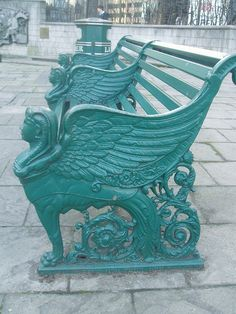 Combining old and new techniques to keep Birmingham at the centre of style and commerce. http://www.editidigital.co.uk Sphinx Bench, Birmingham England